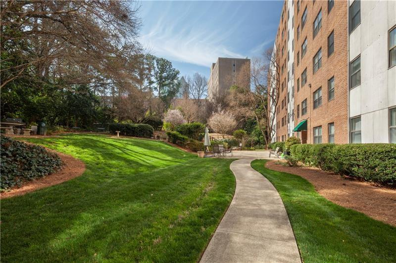 Image for property 2965 Pharr Court 816, Atlanta, GA 30305