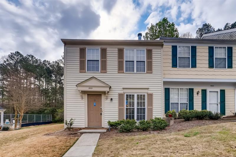 Image for property 2001 Queen Anne Court, Sandy Springs, GA 30350