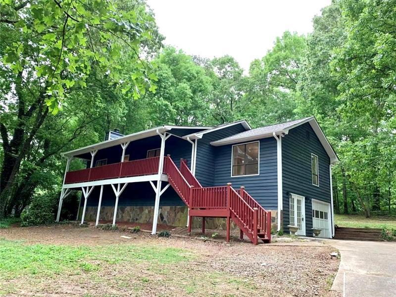 Image for property 1299 Rolling Green Dr, Acworth, GA 30102