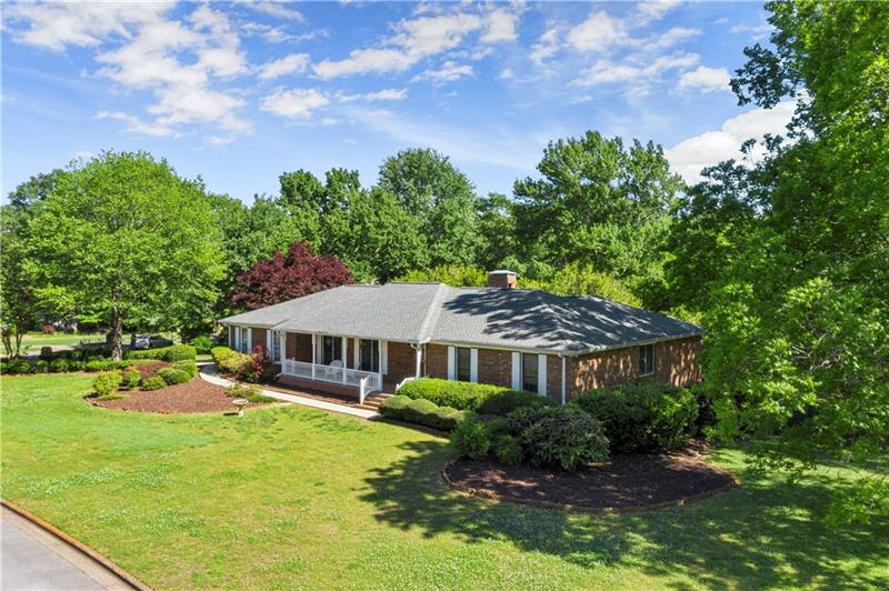 Image for property 165 Saddle Creek Drive, Roswell, GA 30076