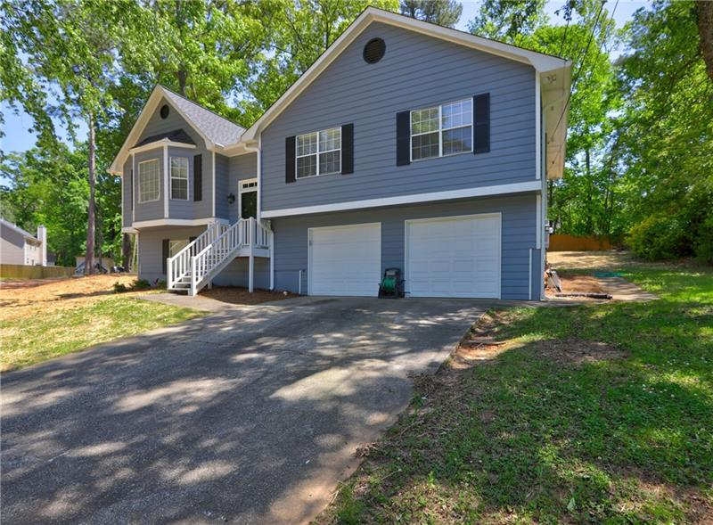Image for property 6621 Crossing Creek Pl Point, Austell, GA 30168