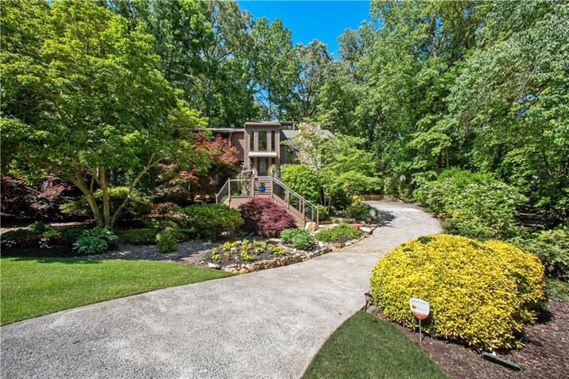 Image for property 1598 Sandpoint Drive, Roswell, GA 30075