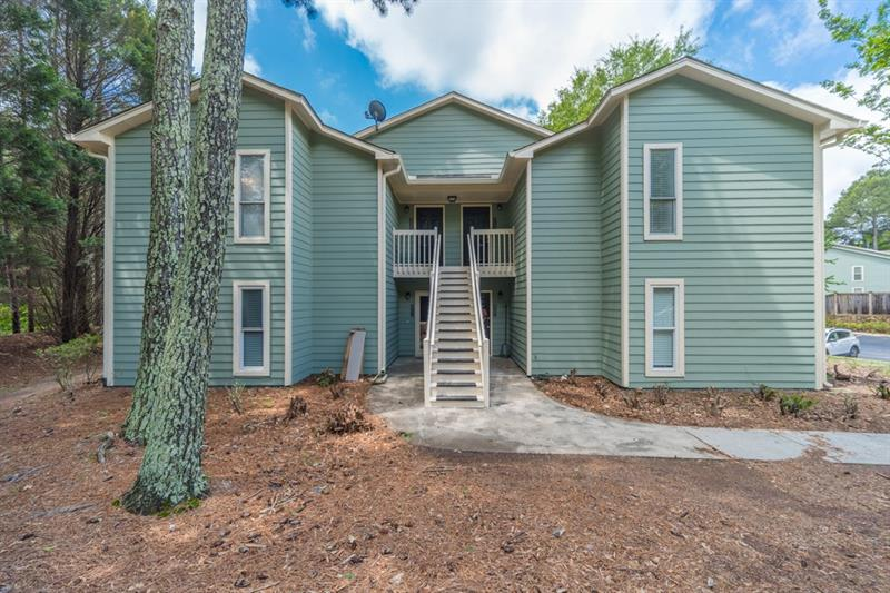 Image for property 2113 Canyon Point Circle #2113, Roswell, GA 30076
