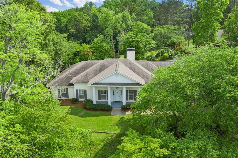 Image for property 135 Mountain Shoals Road, Roswell, GA 30075
