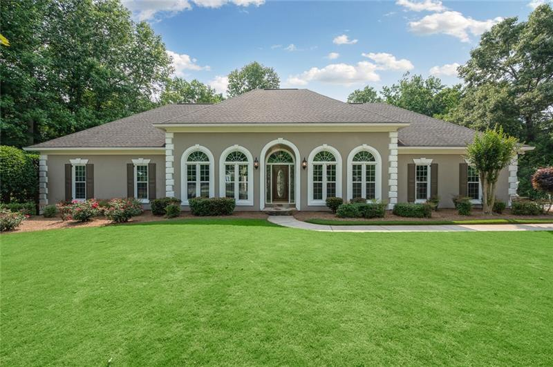 Image for property 560 Twinflower Court, Roswell, GA 30075