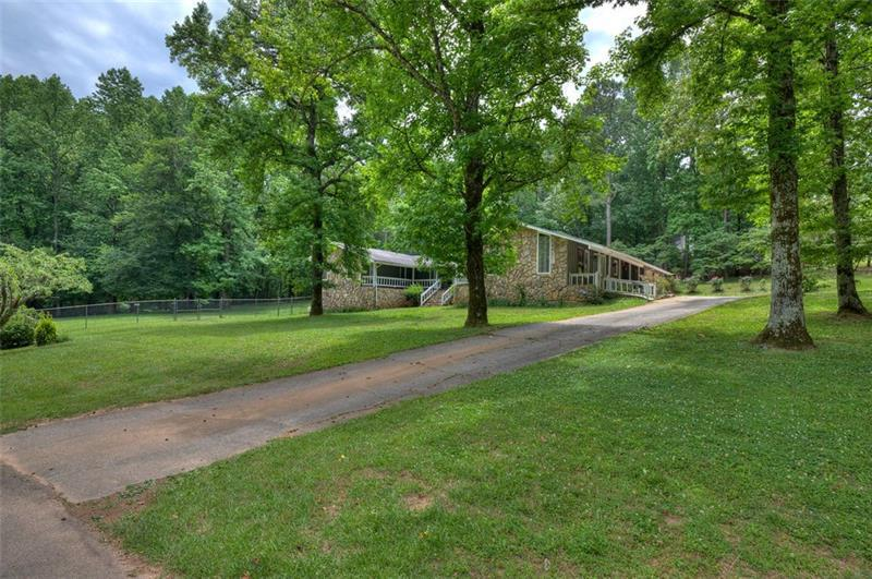 Image for property 64 woods Drive, Cartersville, GA 30121
