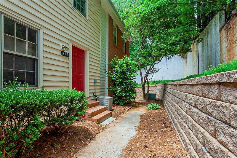 Image for property 256 Chads Ford Way, Roswell, GA 30076