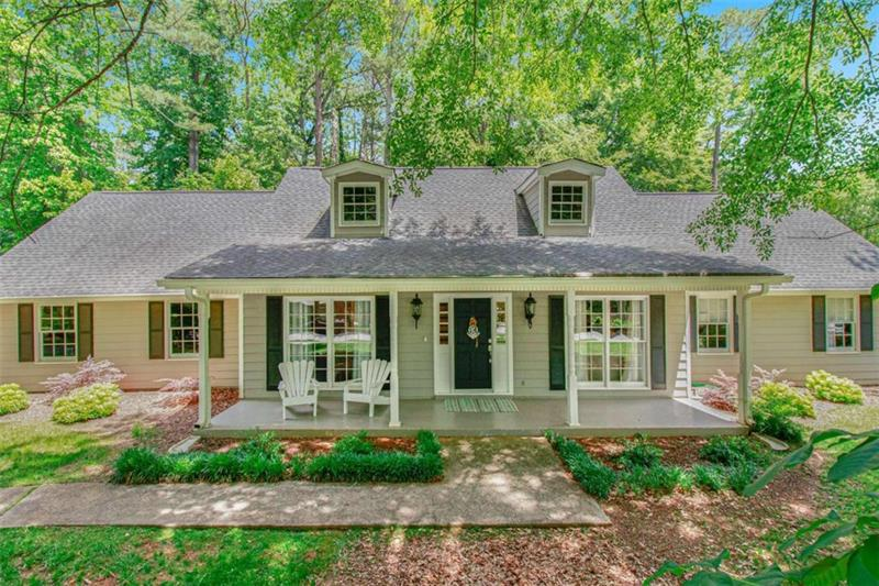 Image for property 105 Roundleaf Court, Peachtree City, GA 30269