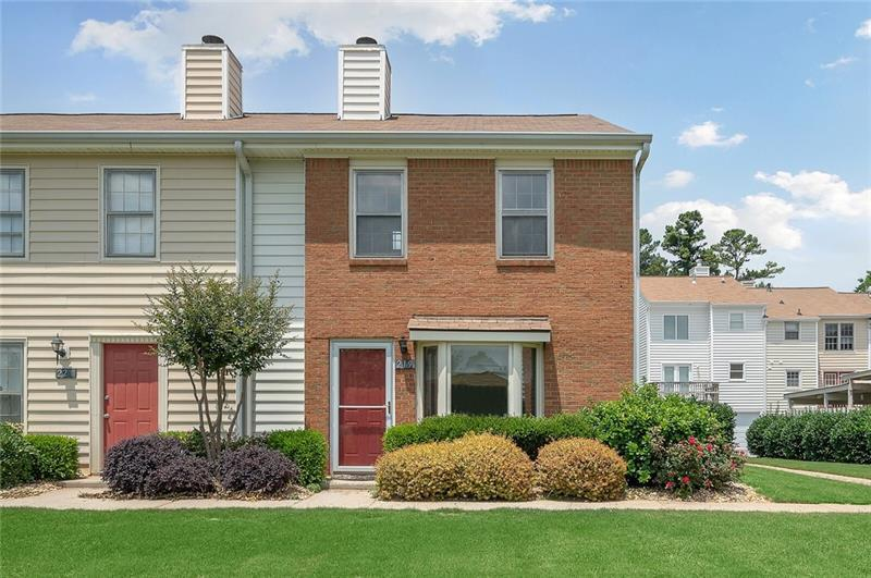 Image for property 219 Holcomb Ferry Road, Roswell, GA 30076