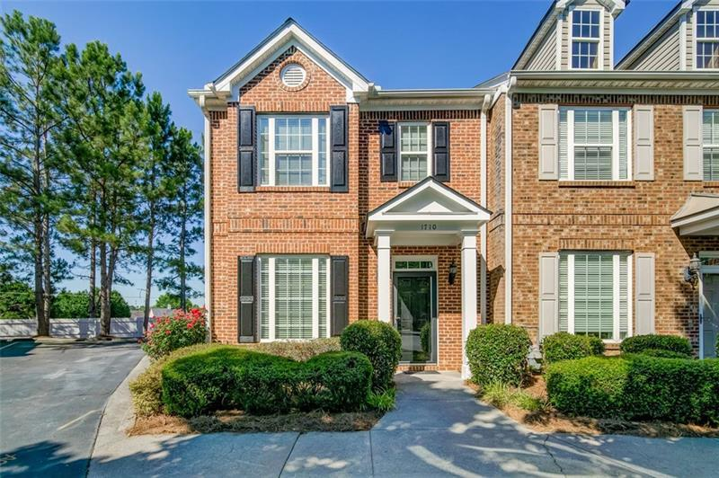 Image for property 1710 Heights Circle, Kennesaw, GA 30152