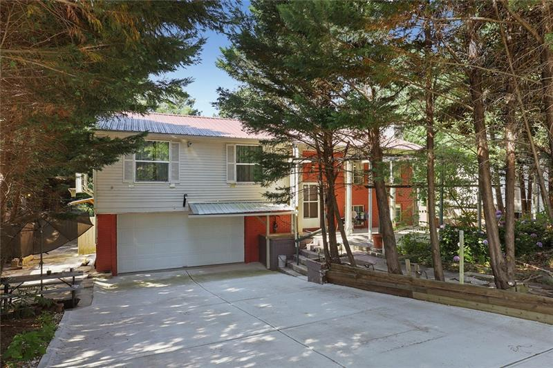 Image for property 1365 Parkmont Dr, Roswell, GA 30076