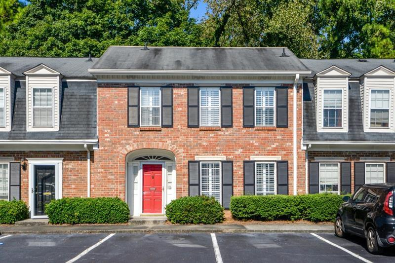 Image for property 4 Valley Forge Place, Atlanta, GA 30318