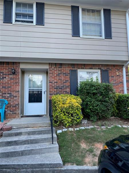 Image for property 2090 KINGS GATE Circle 7-A, Snellville, GA 30078