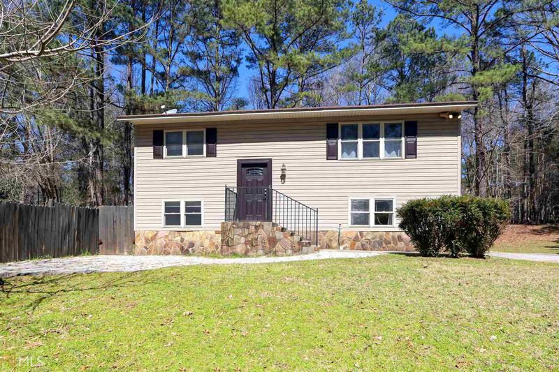 Image for property 418 Robinson Rd, Peachtree City, GA 30269