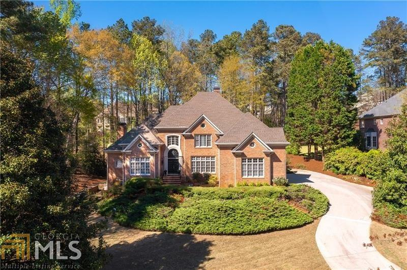 Image for property 2210 River Cliff Dr, Roswell, GA 30076-3901