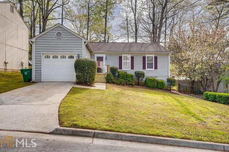 Image for property 2982 Cascade Mnr, Decatur, GA 30034-3254