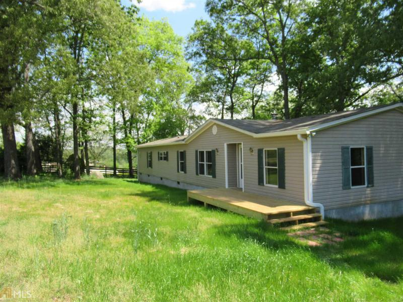 Image for property 1881 Groaning Rock Rd, Commerce, GA 30530