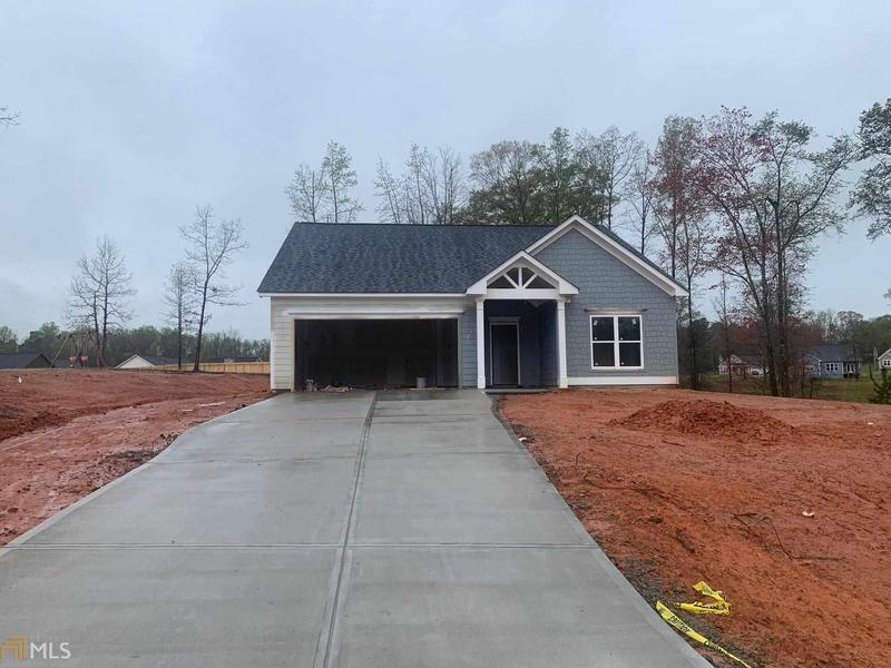 Image for property 56 North Point Cir 52, Hartwell, GA 30643