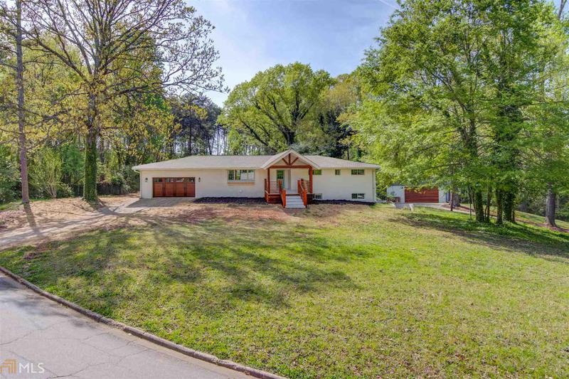 Image for property 1093 Lakeshore Dr, Gainesville, GA 30501