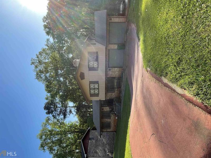Image for property 2217 Chevy Chase Ln, Decatur, GA 30032-6124