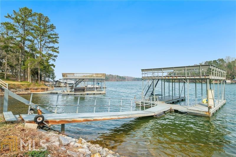 Image for property 6373 Lakeview Dr, Buford, GA 30518