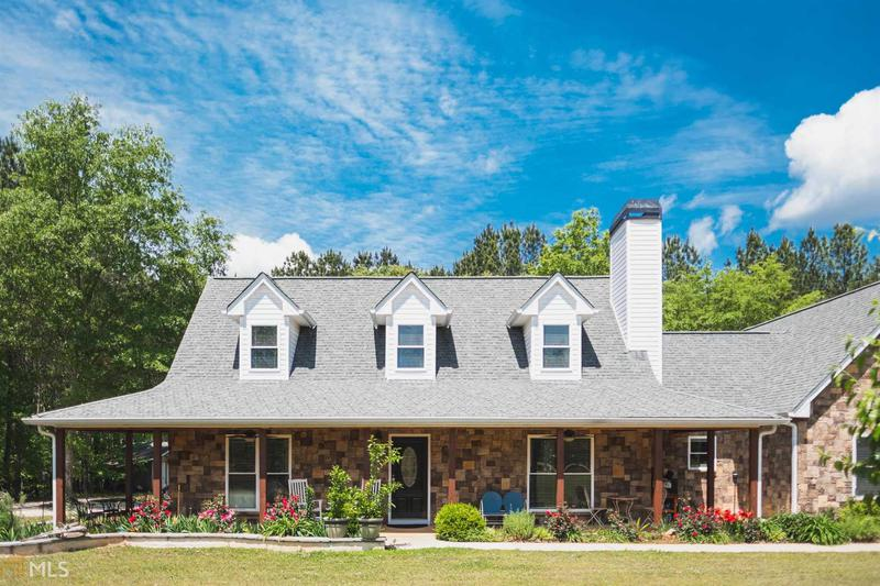 Image for property 212 Lakeview Dr, Newborn, GA 30056