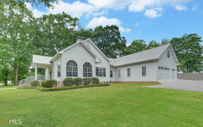 Image for property 5410 Vickery St, Lavonia, GA 30553