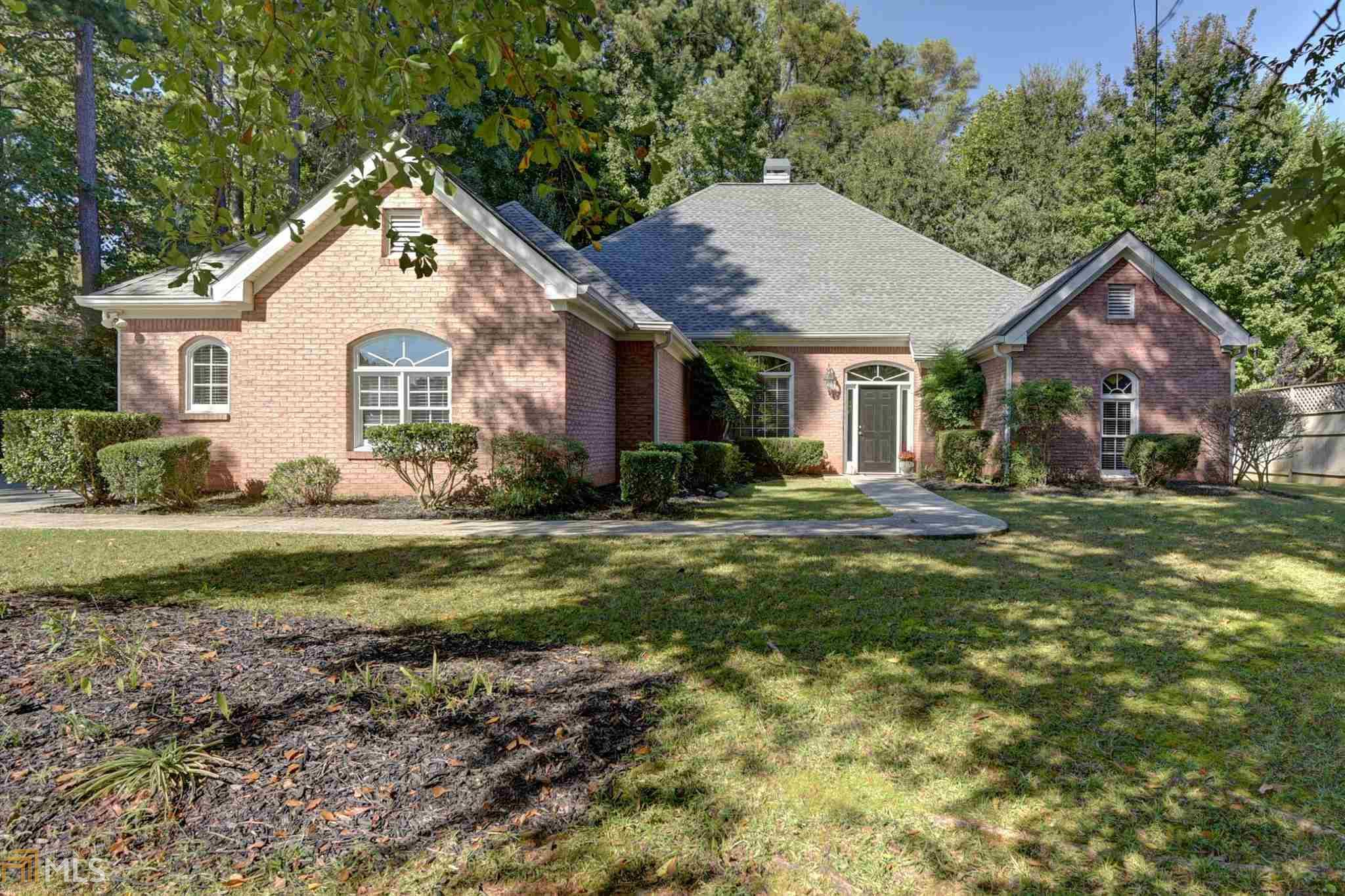 Image for property 2735 Sewell Mill Rd, Marietta, GA 30062