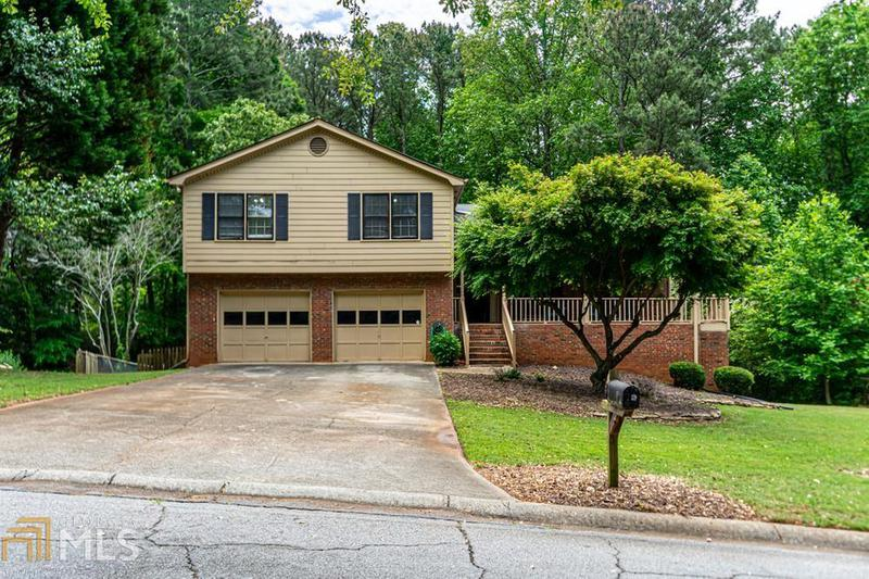 Image for property 801 Roxboro Trace, Lawrenceville, GA 30044-5672