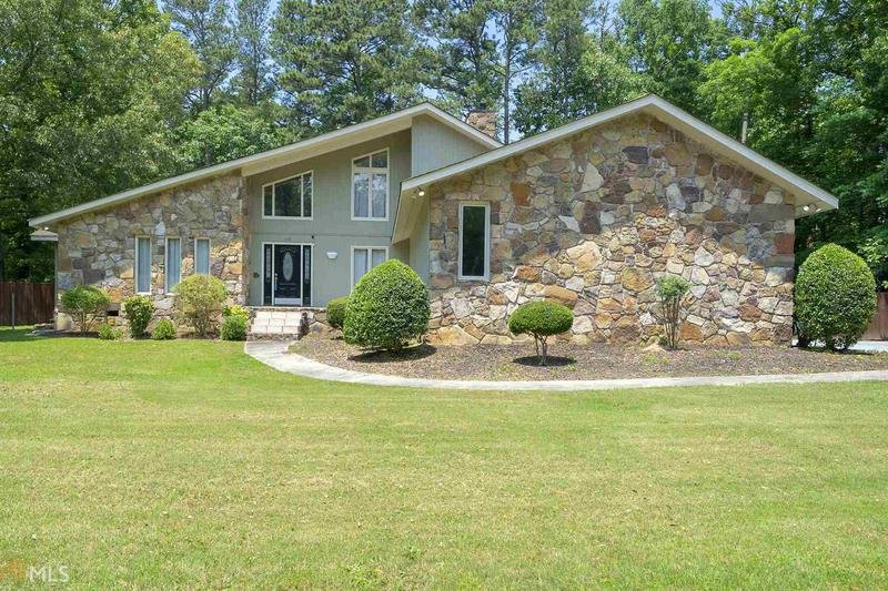 Image for property 100 Rolling Pines RD, Rome, GA 30165