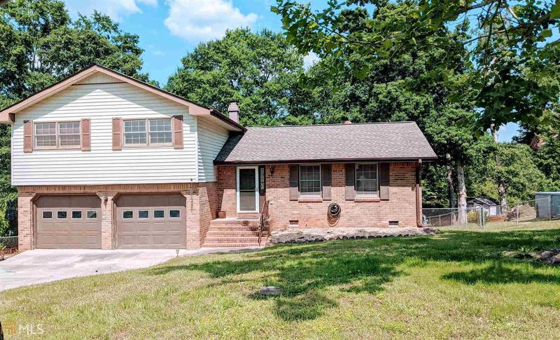 Image for property 1662 Oak Forest Dr, Conyers, GA 30013