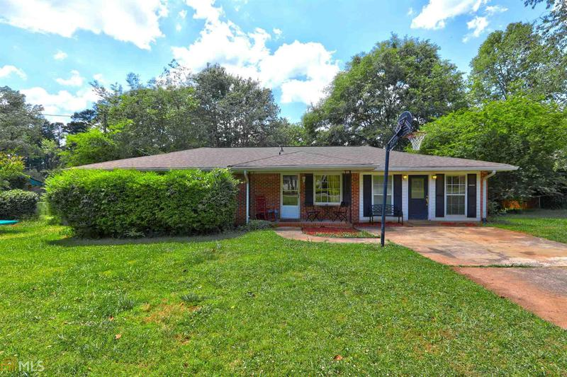 Image for property 27 Foster Drive, Newnan, GA 30263