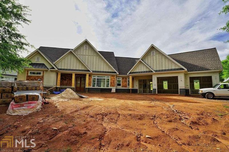 Image for property 6724 Horse Shoe Cir, Gainesville, GA 30506