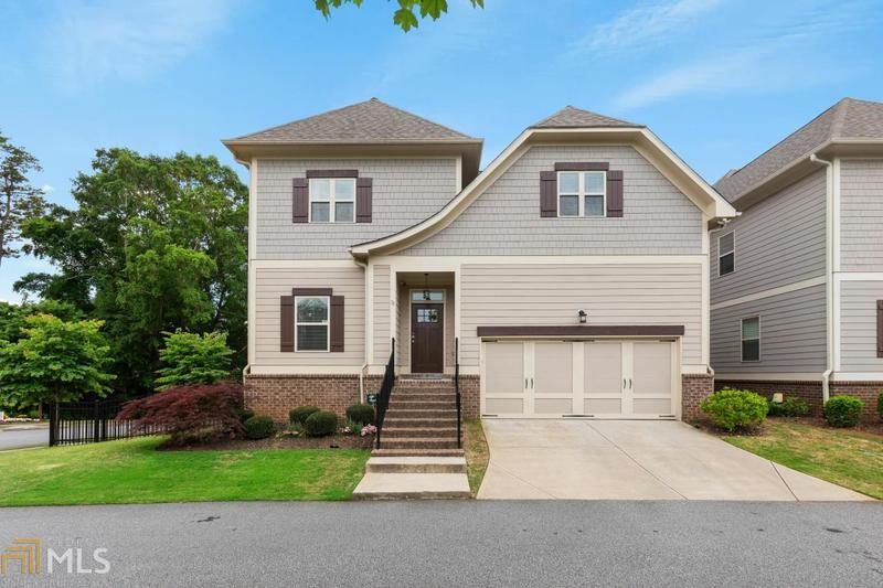 Image for property 35 Pine St, Roswell, GA 30075-4819
