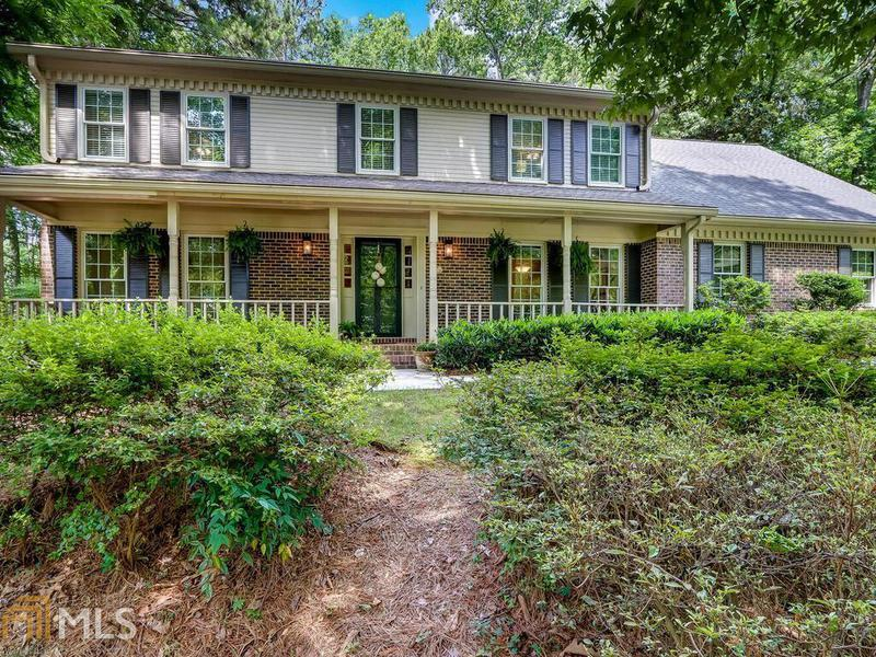 Image for property 3895 High Shoals Dr, Peachtree Corners, GA 30092