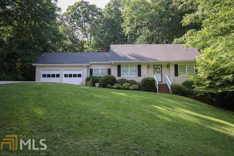 Image for property 165 Foxdale, Toccoa, GA 30577-0165