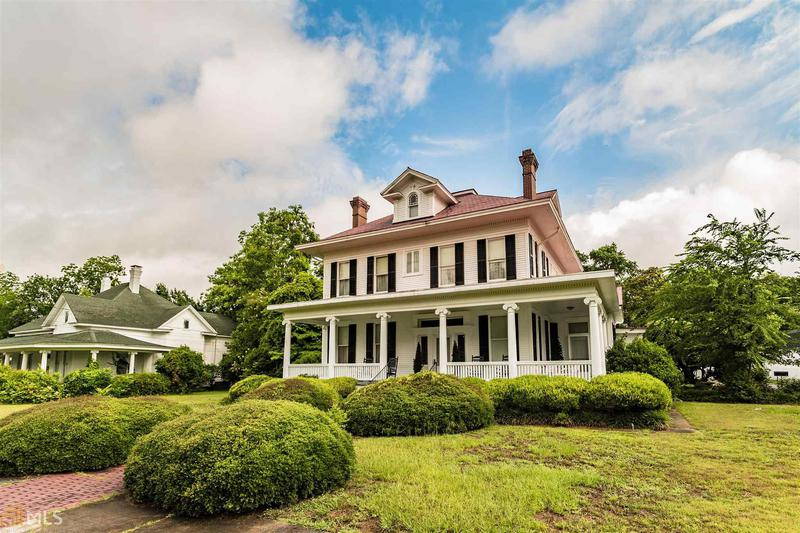 Image for property 349 College Ave, Millen, GA 30442