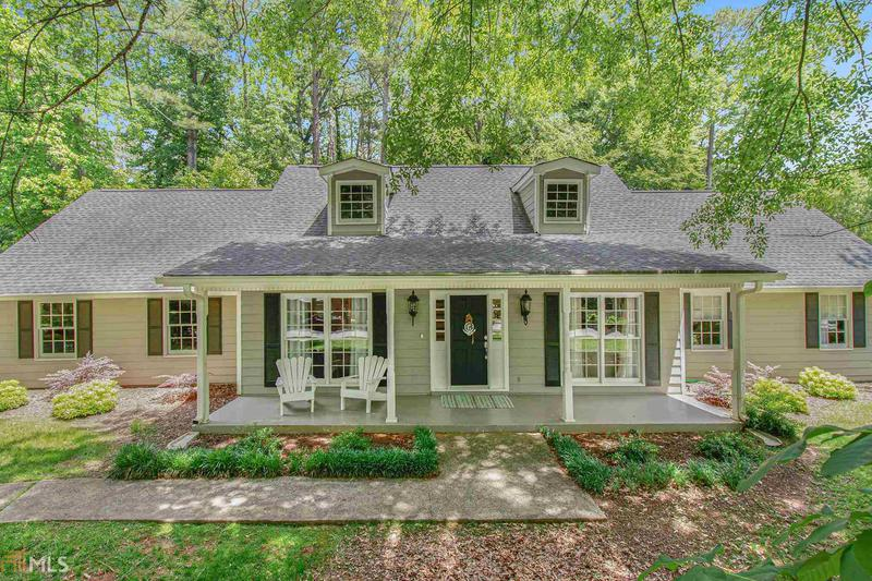 Image for property 105 Roundleaf Ct, Peachtree City, GA 30269-1240