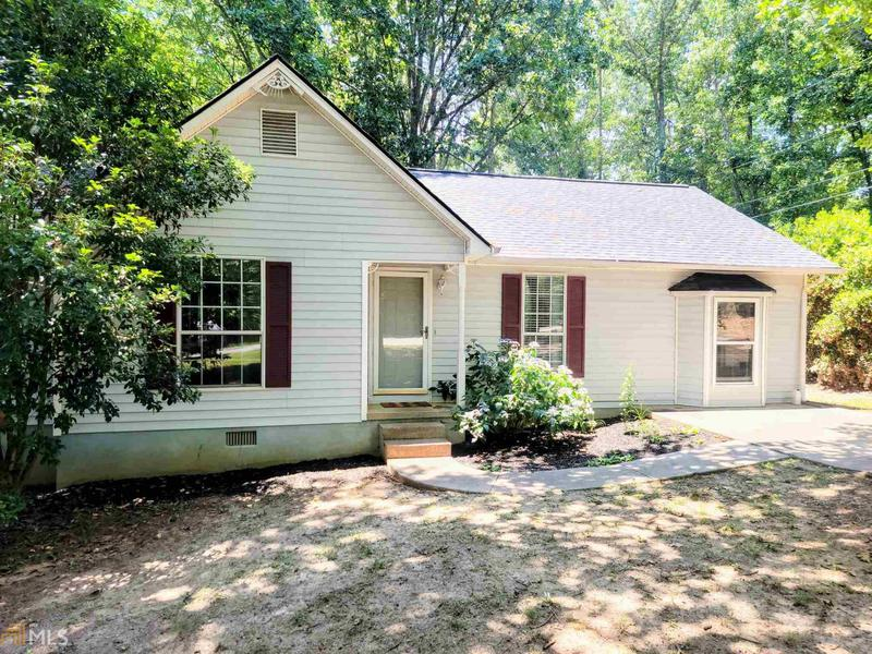 Image for property 3646 Greencrest Rd, Gainesville, GA 30506-2029