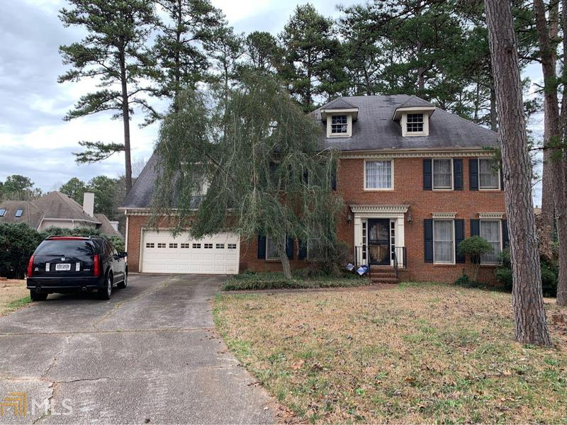 Image for property 5642 Southern Pines Ct, Stone Mountain, GA 30087