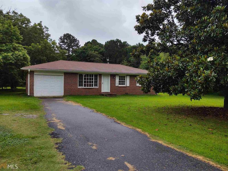 Image for property 2323 Locust Grove Rd, Griffin, GA 30223