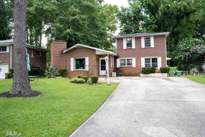 Image for property 2526 Fontaine Cir, Decatur, GA 30032