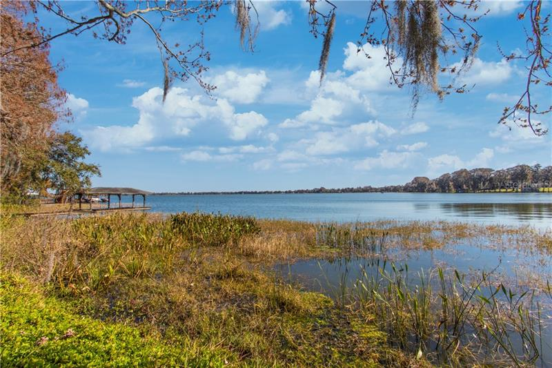 Image for property 3826 GAINES DRIVE, WINTER HAVEN, FL 33884