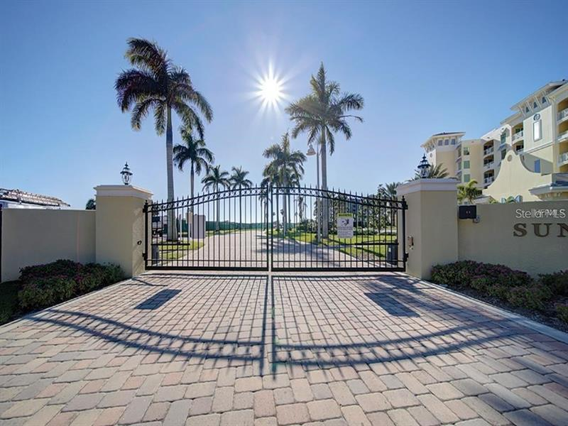 Image for property 755 COLLANY ROAD 306, TIERRA VERDE, FL 33715