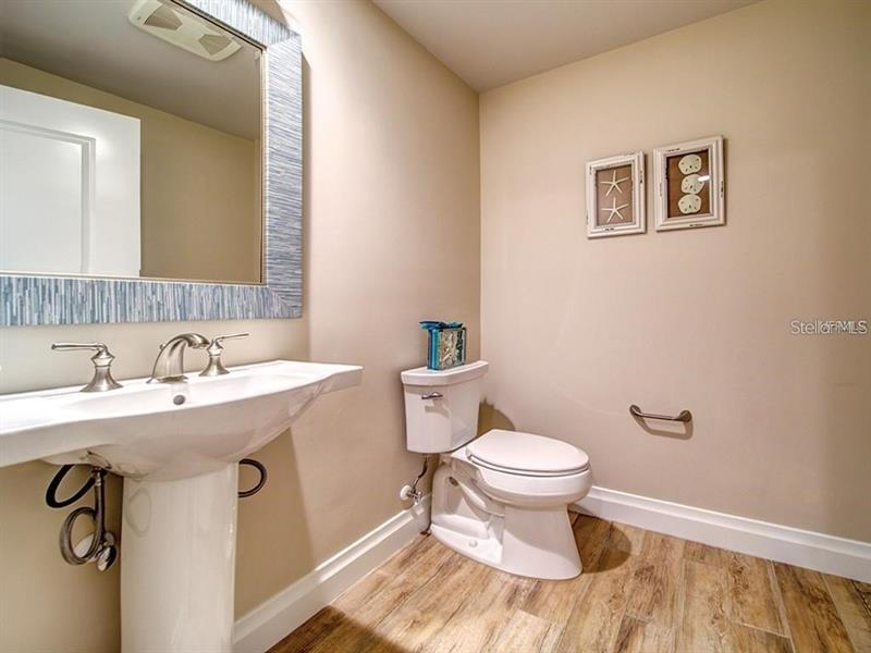 Image for property 755 COLLANY ROAD 604, TIERRA VERDE, FL 33715