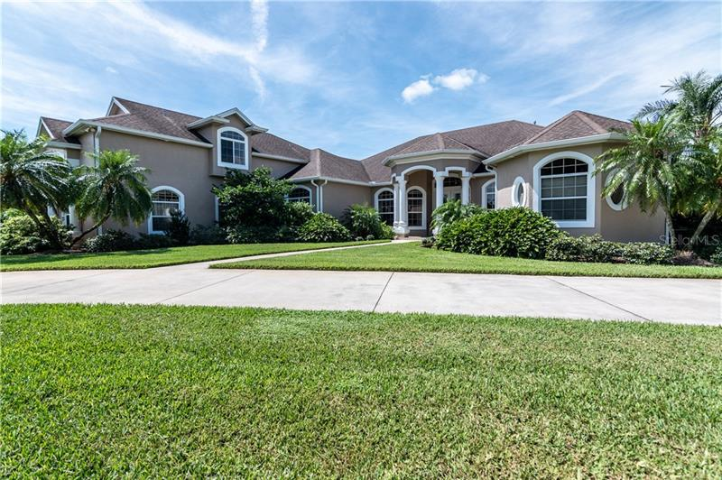 Image for property 301 QUAILS RUN PASS, WINTER HAVEN, FL 33884