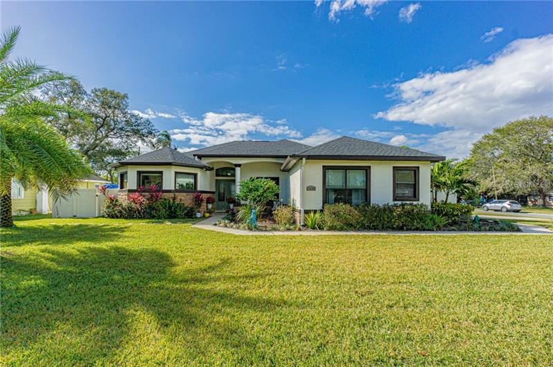 Image for property 2438 28TH STREET, ST PETERSBURG, FL 33713