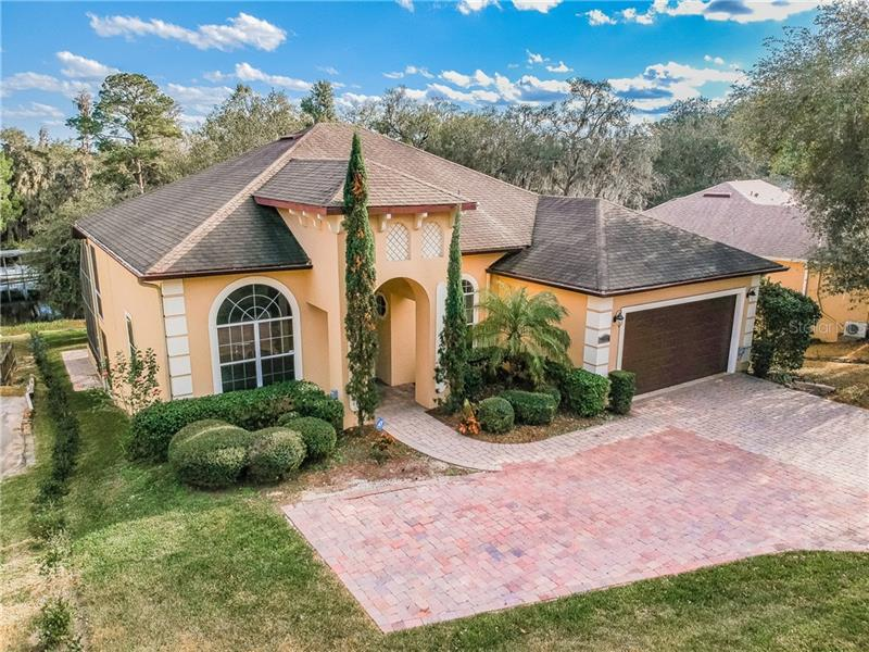 Image for property 11818 LAKESHORE DRIVE, CLERMONT, FL 34711
