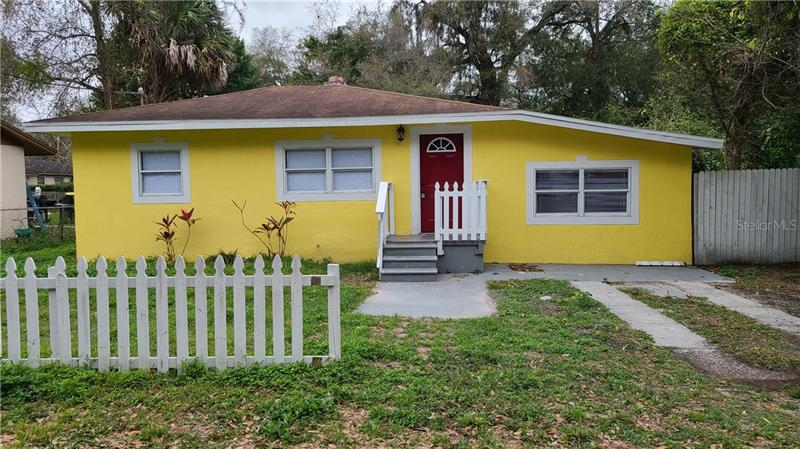 Image for property 9804 10TH STREET, TAMPA, FL 33612