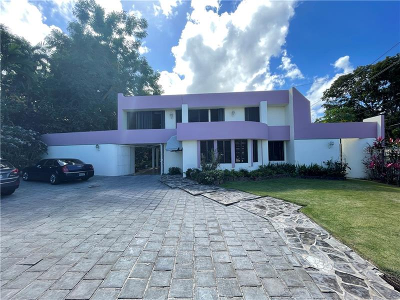 Image for property B13 CALLE TINTILLO, GUAYNABO, PR 00966